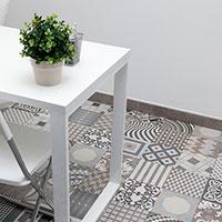Detalle del suelo con aspecto de mosaico