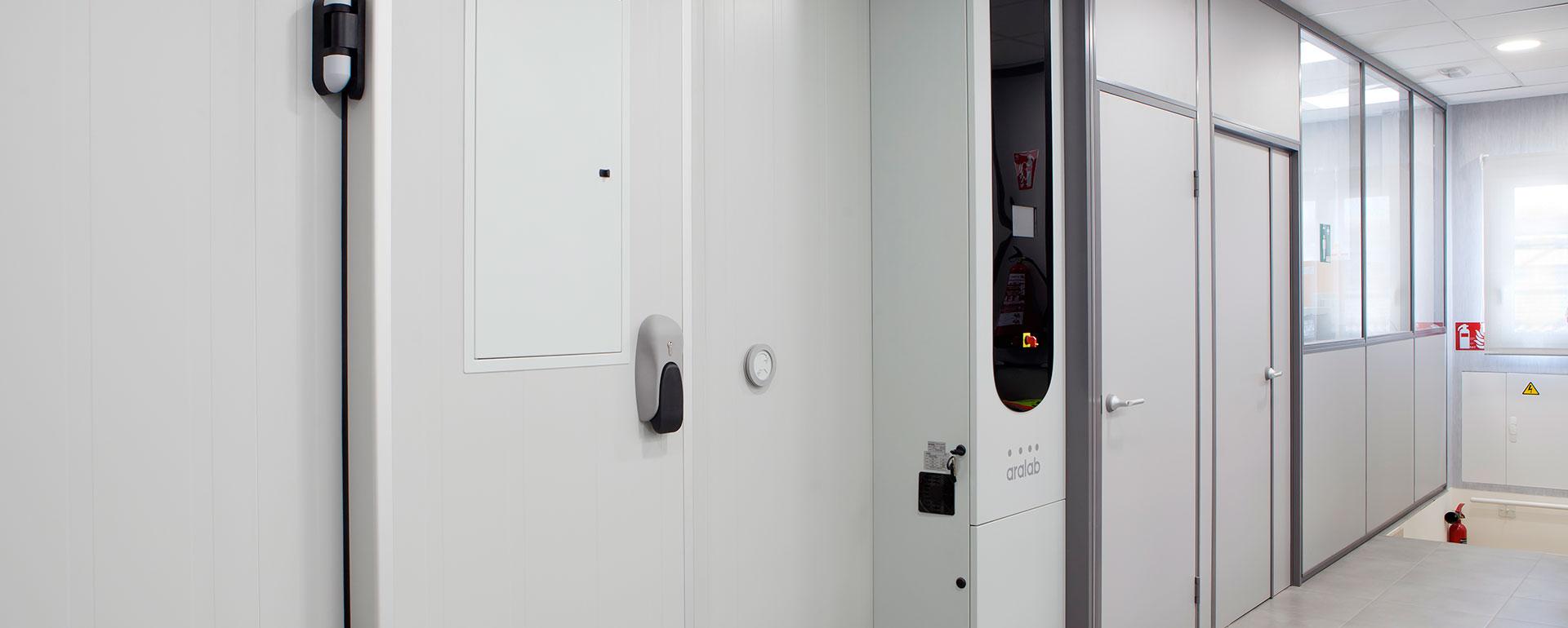 Puertas de acceso al laboratorio