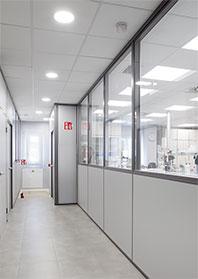 Pasillo de acceso al laboratorio
