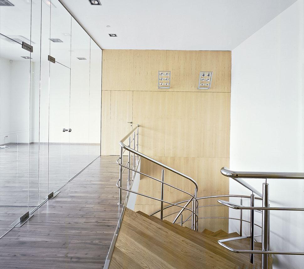 Escalera de acceso interna
